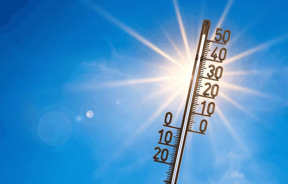 Ein Thermometer zeigt 35 Grad an