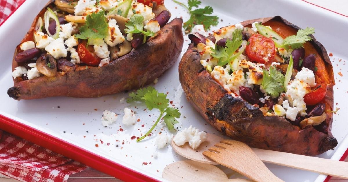 Süßkartoffeln mit Pilzen und Joghurtdip