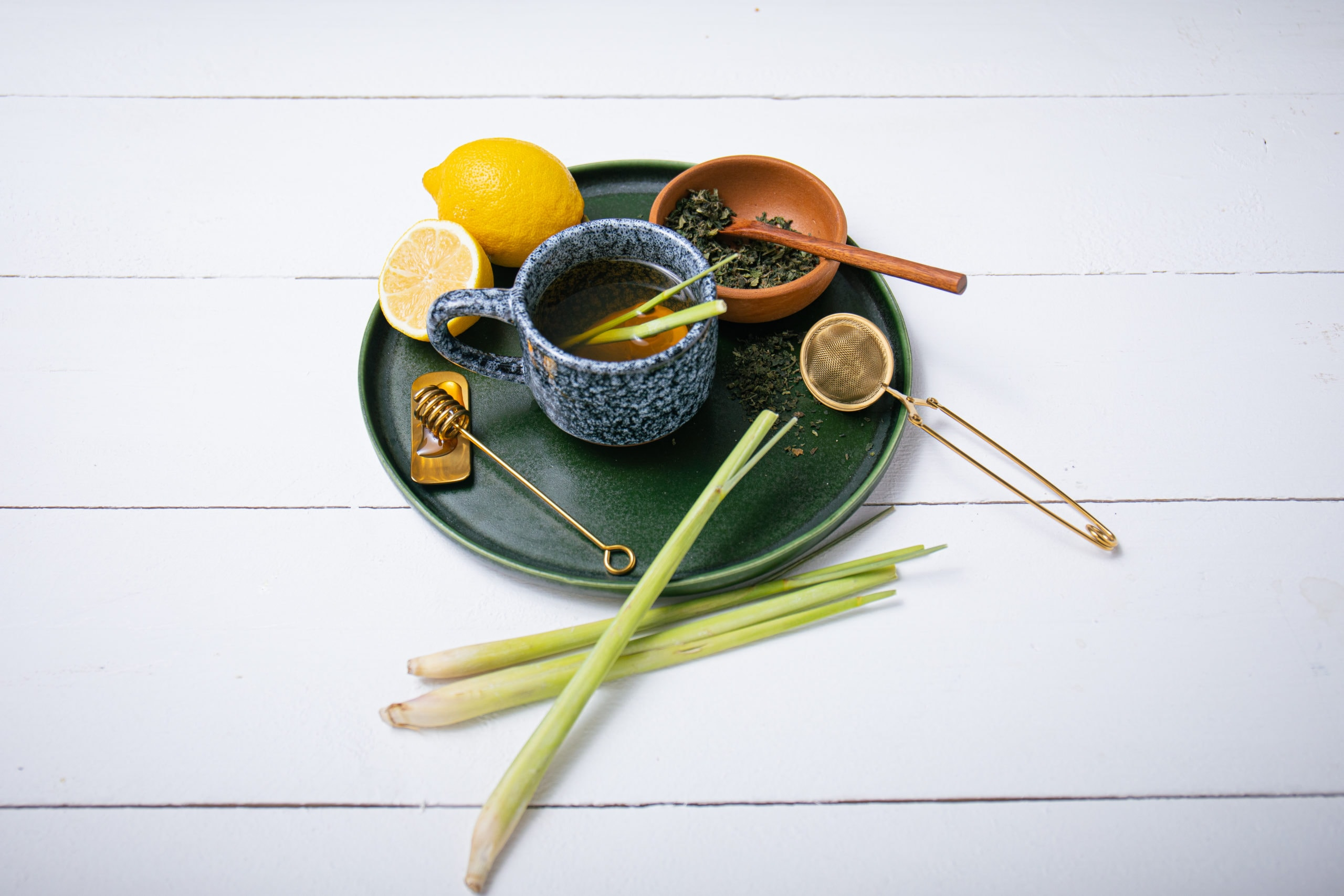 Tee zum Abnehmen mit Zitronengras und Honig
