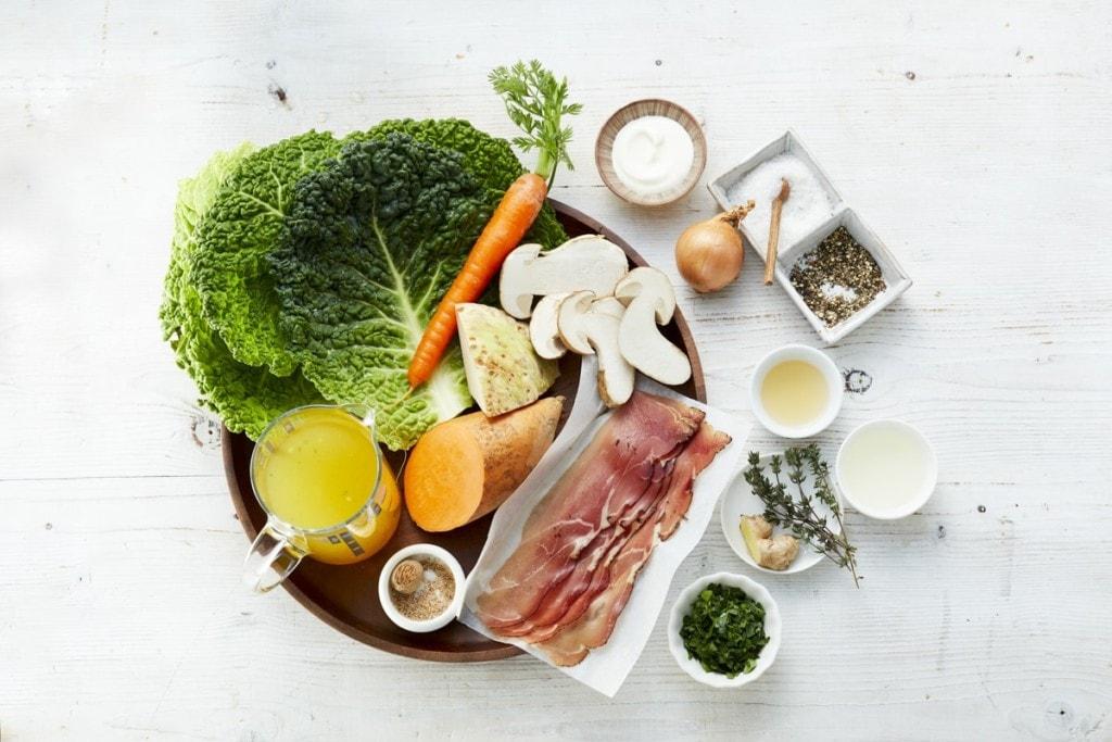 Zutaten Suesskartoffel Wirsing Suppe mit Speck und Pilzen