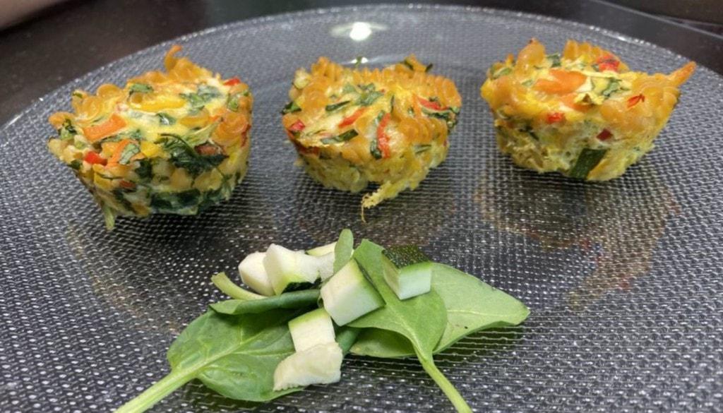 Nudelmuffins mit Gemüse