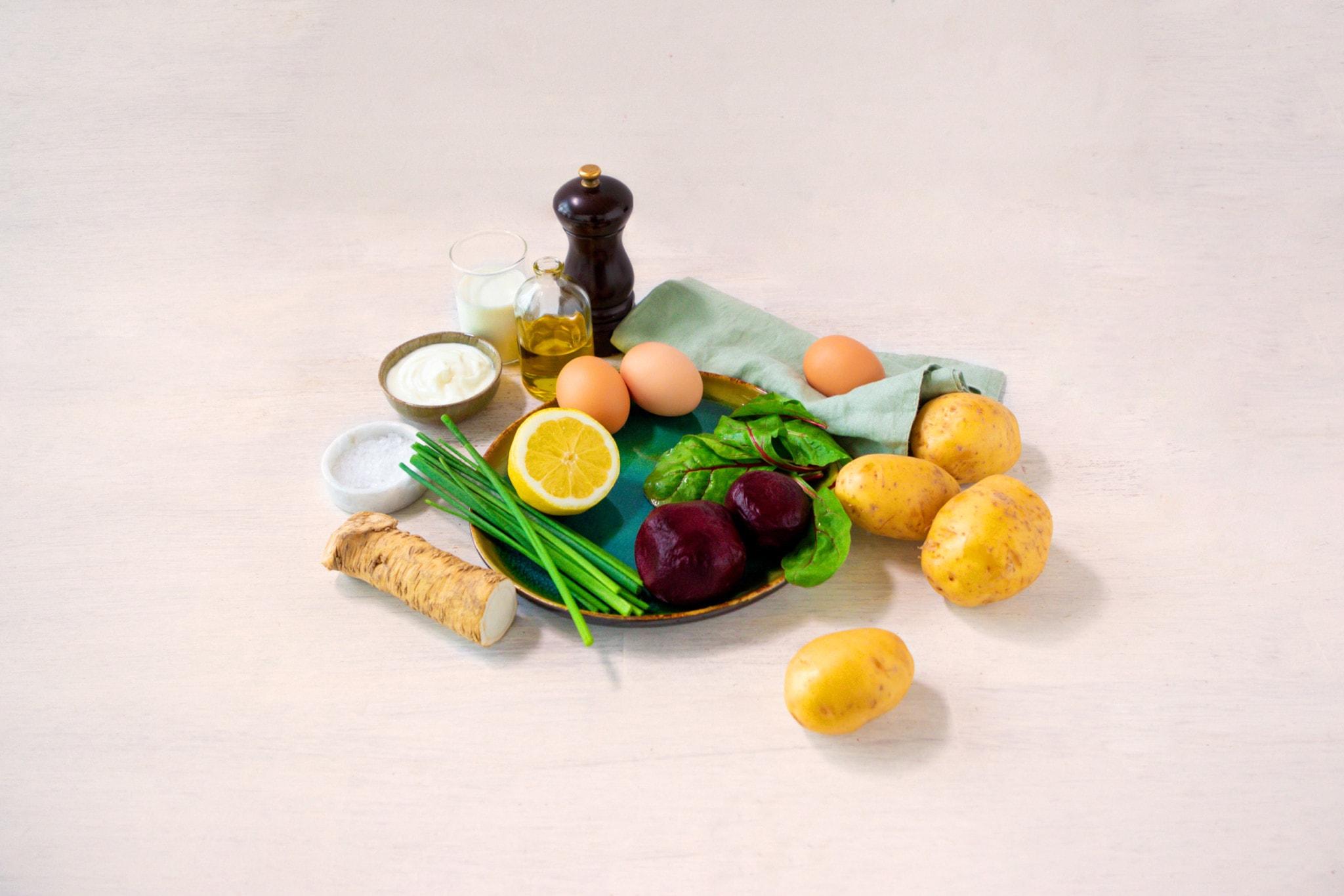 Zutaten Kartoffel-Mangold-Frittata mit roter Bete und Meerrettich-Joghurt